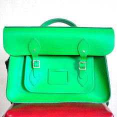 CAMBRIDGE SATCHEL 的 牛皮側背包