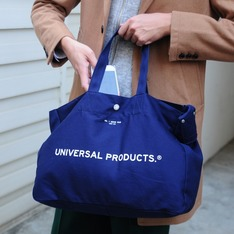 UNIVERSAL PRODUCTS 的 NEWS BAG SMALL