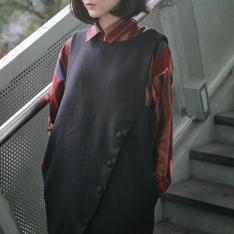 PIMGO 的 斜釦毛呢背心裙