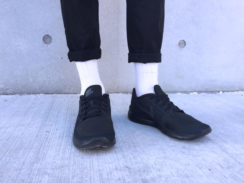 NIKE FREE 5.0 的 球鞋