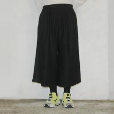 MORSE 的 韓國剪裁寬寬褲