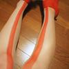 TO.IRO 的 ㄧ條紅線絲襪