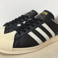 ADIDAS SUPERSTAR 的 SUPERSTAR 80'S