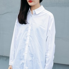 KARINA. 的 白襯衫