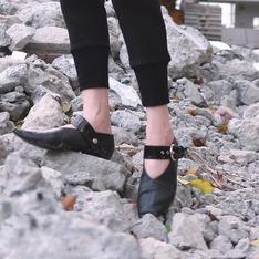 CELINE 的 尖頭鞋