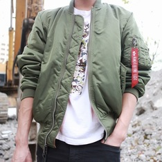 ALPHA INDUSTRIES 的 ALPHA INDUSTRIES MA-1 FLIGHT JACKET
