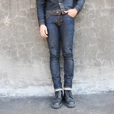NUDIE JEANS 的 牛仔褲