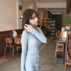 DC-DRESS CULTURE正韓時尚 的  坑條皺褶感薄針織上衣