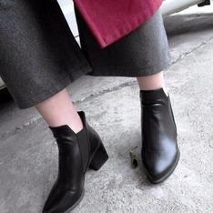 HUI GIN 的 短靴