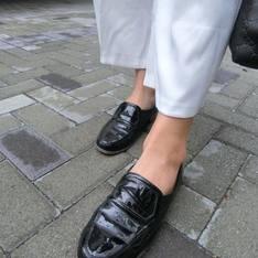 無品牌 的 亮皮皮鞋