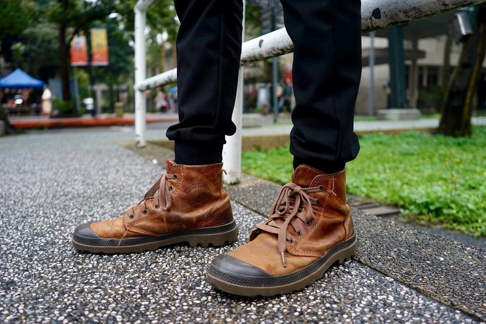 PALLADIUM BOOTS 的 靴子