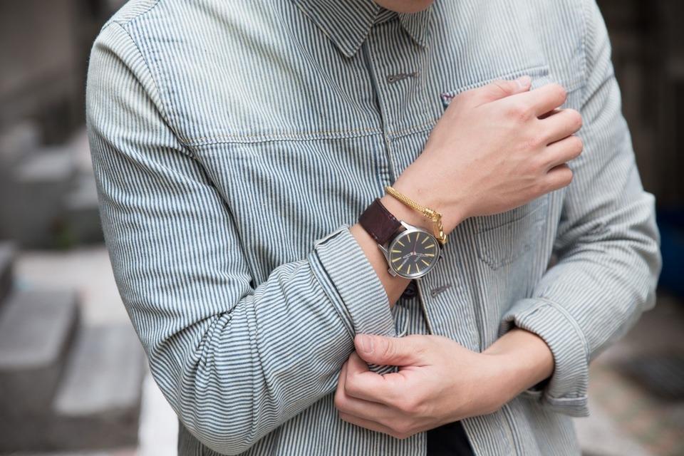 NIXON 的 手錶