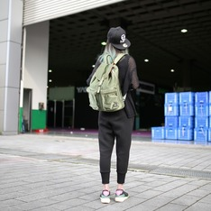YOSHIDA & COMPANY POTER 的 草食男後背包