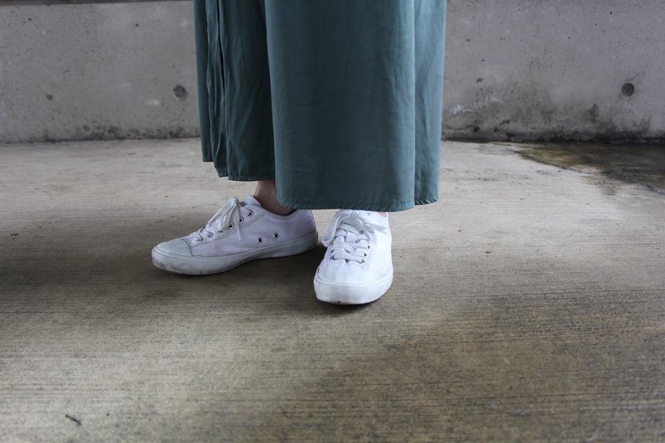 木易木易 的 小白鞋