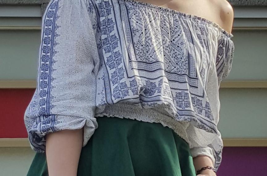 H&M 的 波希米亞平肩上衣