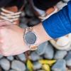 KOMONO 的 夏日蟲鳴印紋手錶