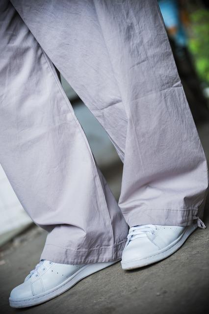 無品牌 的 褲管細節