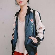 STYLENANDA 的 橫須賀刺繡外套