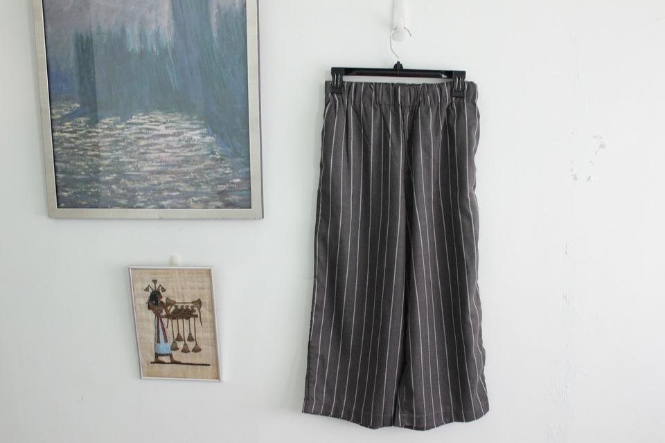 網購 的 直紋八分寬褲