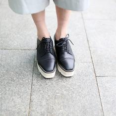 ROBINLO STUDIO 的 厚底牛津鞋