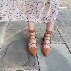 木易木易 的 駝色綁帶羅馬鞋