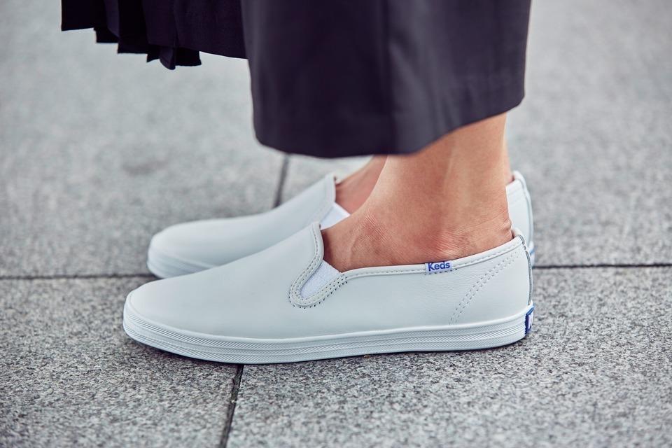 KEDS 的 休閒白鞋
