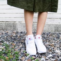 REEBOK 的 皮革運動鞋