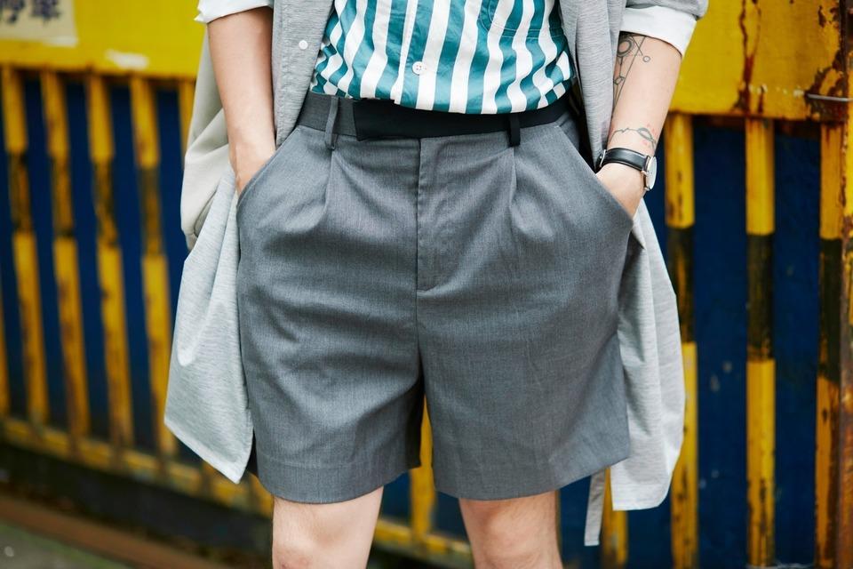 IOHLL 的 西裝短褲