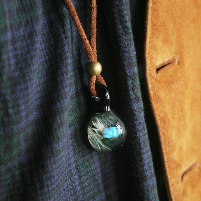 無品牌 的 拉長石玻璃藝術項鍊