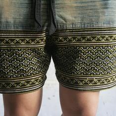OMAKE 的 孟族刺繡短褲