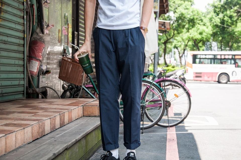 UNIQLO 的 條紋寬褲