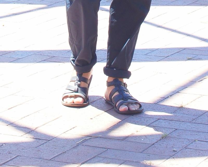 ZARA 的 羅馬涼鞋