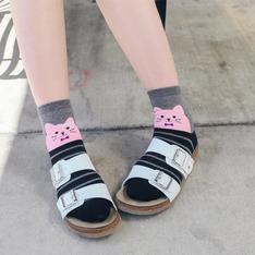 無品牌 的 涼拖鞋