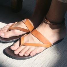 OMAKE 的 羅馬牛皮拖鞋