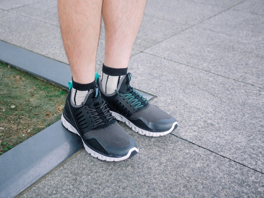 K-SWISS 的 K-SWISS TUBES X RUNNER