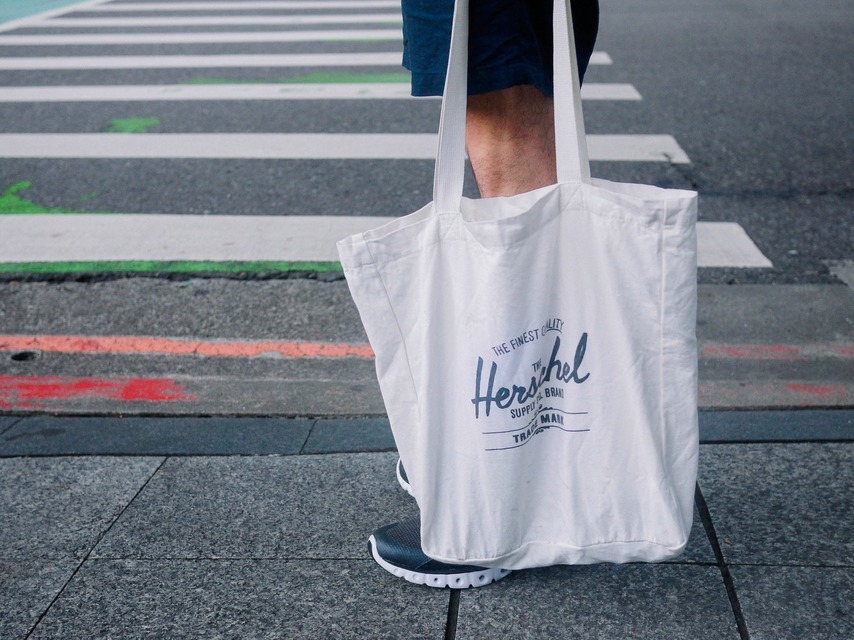 HERSCHEL SUPPLY CO. 的 托特包