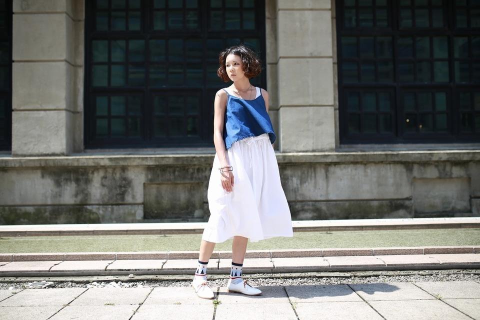 VINTAGE 的 白色寬鬆背心裙