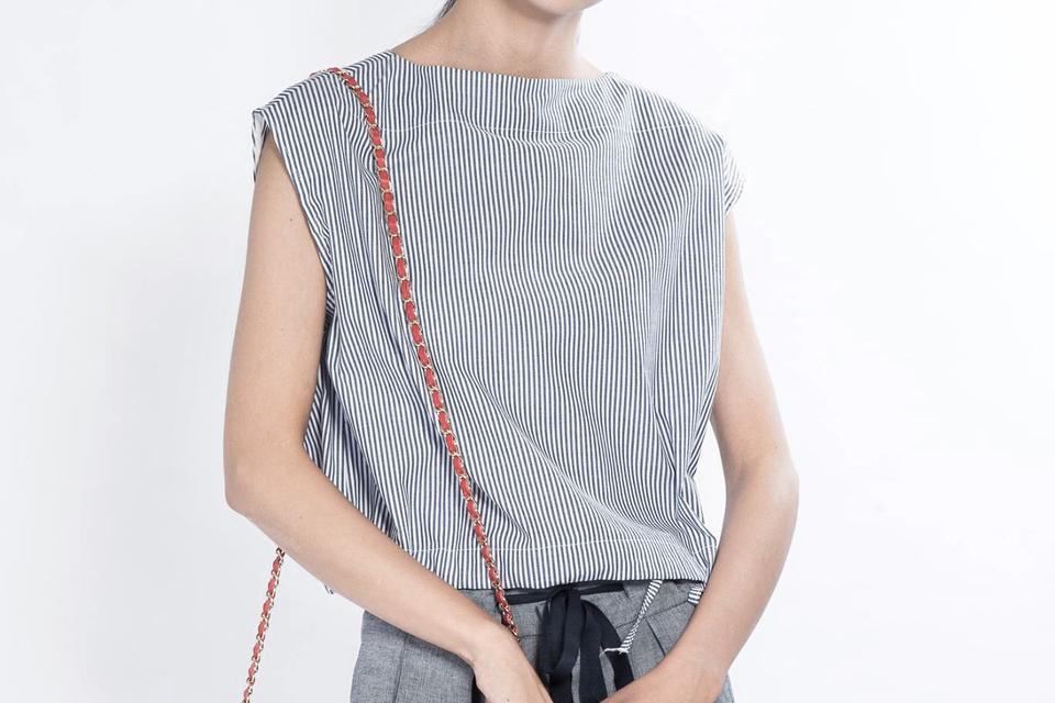 韓LIN 的 條紋一字領無袖上衣