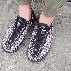 KEEN 的 涼鞋