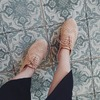 鞋底相當柔軟舒適,走久也不會覺得累。