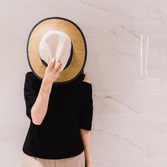 C'EST MODE 的 異材質拼接編織帽