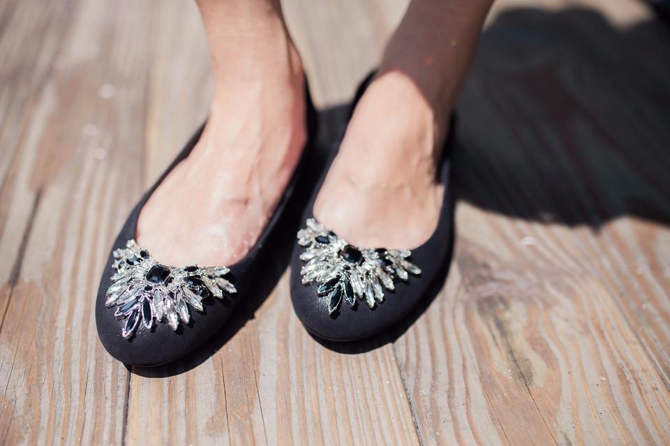 MYSTOCK 的 星鑽平底娃娃鞋
