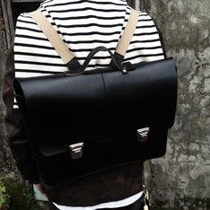 BROOKS 的 LEATHER SATCHEL