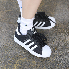 ADIDAS SUPERSTAR 的 休閒鞋