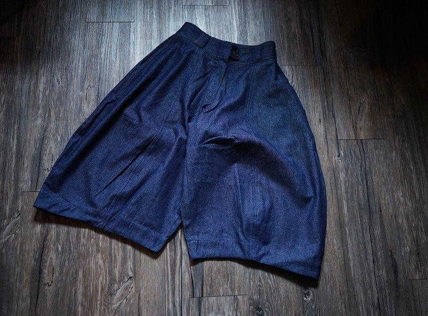 OMAKE 的 單寧燈籠褲