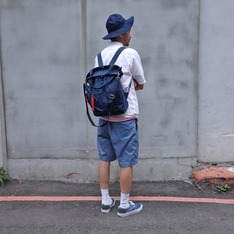 PLAIN-ME X  URBAN RESEARCH 的 4WAY包