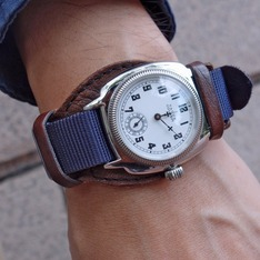 VAGUE WATCH CO. 的 手錶