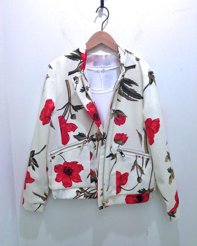 無品牌 的 紅花外套