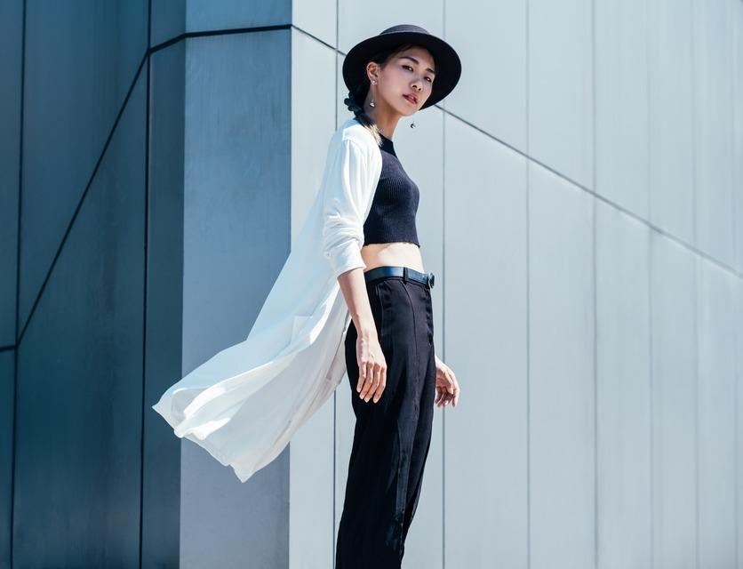 UNIQLO 的 白長版針織外套