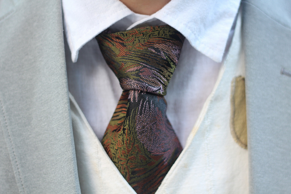 貓爸衣櫃挖出來 的 領帶